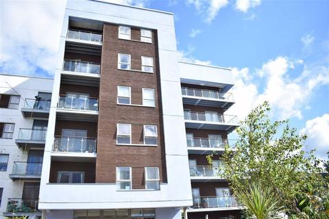 2 bedroom flat - Mariners Court, Lamberts Road, Marina