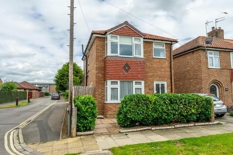 2 bedroom detached house for sale - Penyghent Avenue, York, YO31