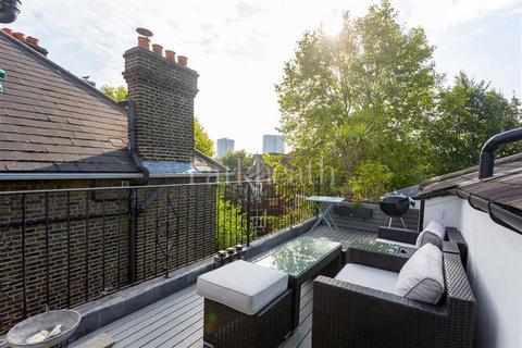 2 bedroom flat for sale - Adamson Road, Belsize Park, London