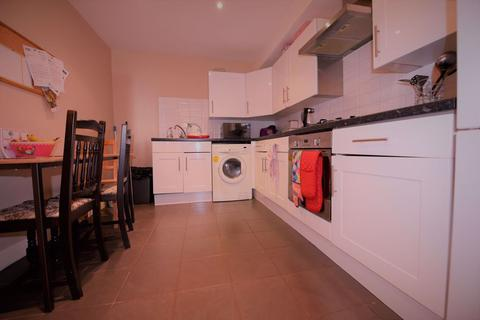 1 bedroom house share to rent - St Annes Road SH, Leeds