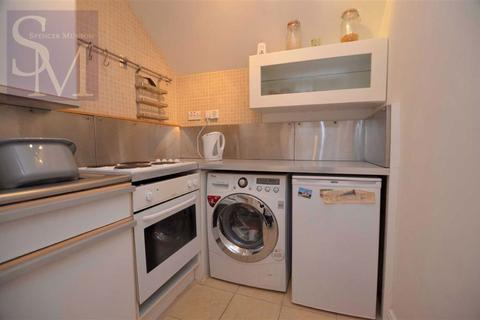1 bedroom flat to rent - Clarendon Road, London