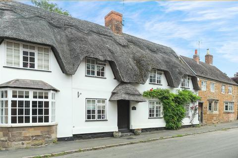 3 bedroom cottage for sale - High Street, Hallaton