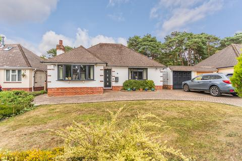 3 bedroom detached bungalow for sale - Hurstbourne Ave, Christchurch BH23