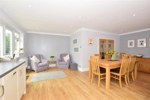 4 bedroom detached house for sale - Shirley Way, Bearsted, Maidstone, Kent
