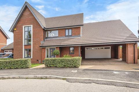 4 bedroom detached house to rent - Tadpole Garden Villa,  North Swindon,  SN25