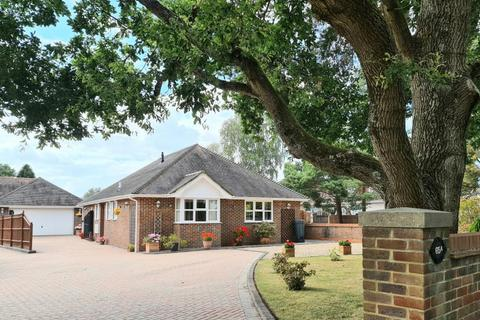 3 bedroom detached bungalow for sale - Woolsbridge Road, Ashley Heath, Ringwood, BH24 2LX