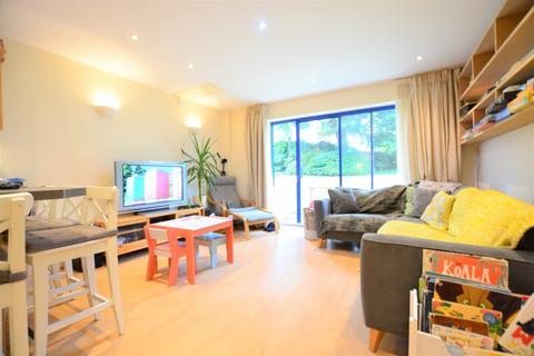 2 bedroom flat to rent - Temple Gardens, , Brighton, BN1 3AS