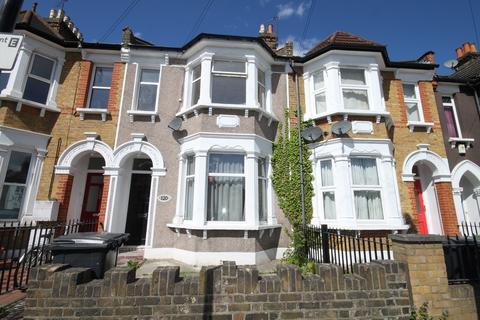 4 bedroom terraced house to rent - Albacore crescent SE13