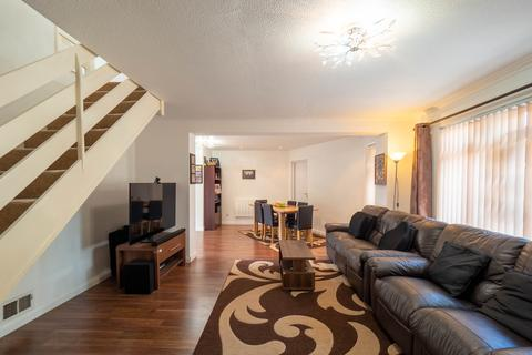 3 bedroom end of terrace house for sale - Pendula Drive, Hayes, UB4