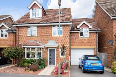 5 bedroom townhouse to rent - Proctor Drive, Lee-on-the-Solent, Hampshire