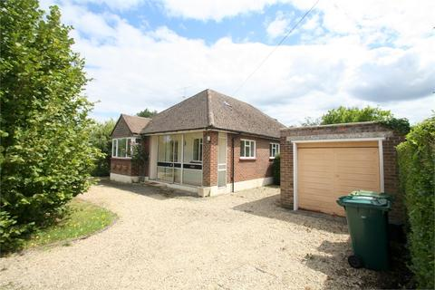 5 bedroom detached bungalow for sale - St Pinnock Avenue, STAINES-UPON-THAMES, Surrey