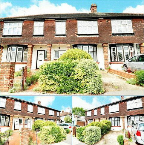 3 bedroom terraced house for sale - Aldborough Road South, Ilford