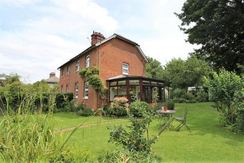 2 bedroom semi-detached house for sale - Addington Village Road, Croydon, CR0 5AQ