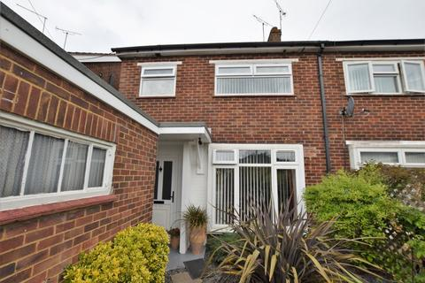 3 bedroom semi-detached house for sale - Mead Road, Willesborough