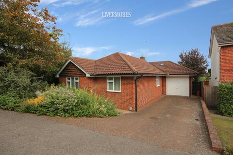 3 bedroom detached bungalow for sale - Consul Gardens, Hextable, Kent