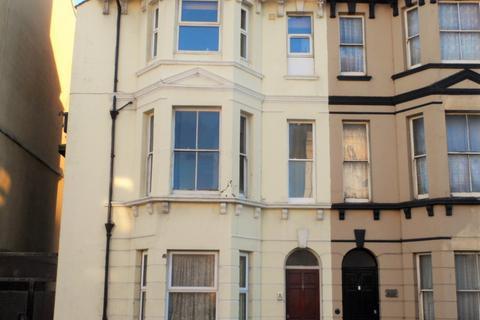 1 bedroom flat to rent - Queens Road, Hastings, East Sussex