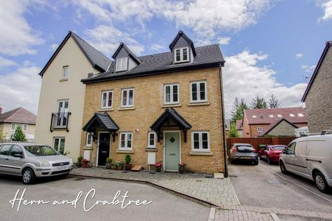 3 bedroom end of terrace house for sale - Whitworth Square, Cardiff