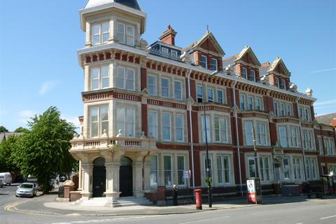 2 bedroom flat to rent - Windsor Court, Barry