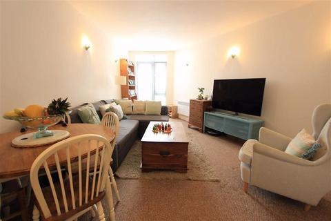1 bedroom flat for sale - 22-30 Longbridge Road, Barking, Essex, IG11