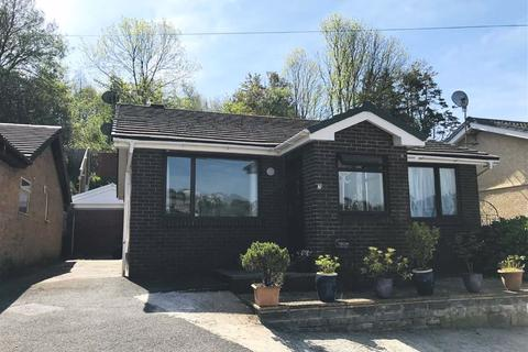 2 bedroom detached bungalow for sale - Lakeview Close, Furnace, Llanelli