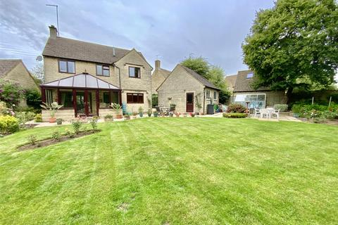 4 bedroom detached house for sale - Glebe Lane, Kemble