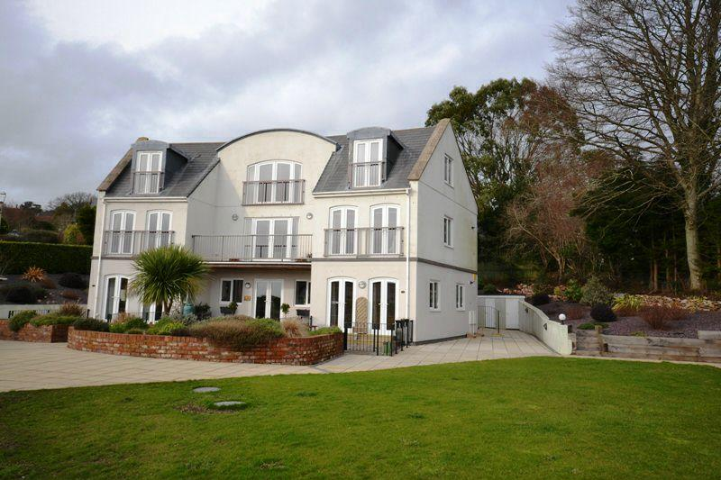 3 Bedrooms Maisonette Flat for sale in SIDFORD, SIDMOUTH