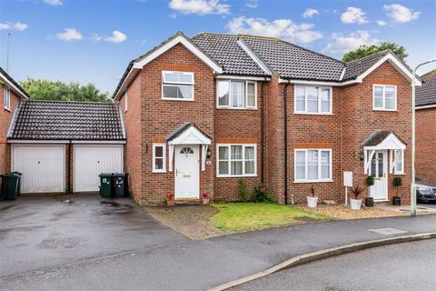 3 bedroom semi-detached house for sale - Pondmore Way, Orchard Heights, Ashford