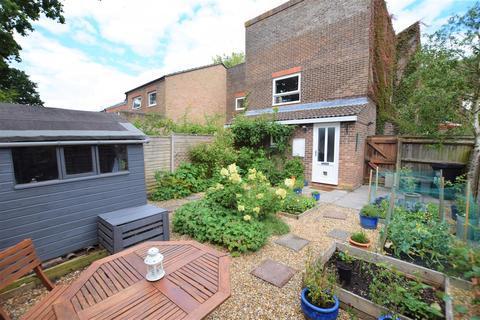 1 bedroom flat for sale - Southwood Avenue, Coombe-Dingle