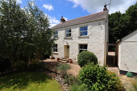4 bedroom detached house for sale - Near Portloe