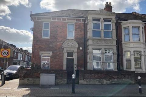 Studio to rent - Flat 4, 152 New Road, Portsmouth PO2