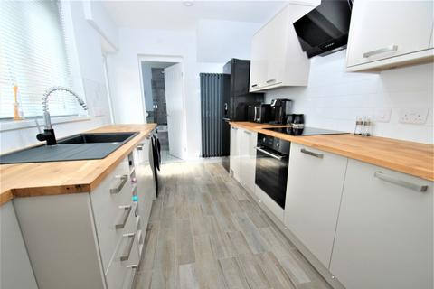 2 bedroom flat for sale - Stanhope Road, South Shields