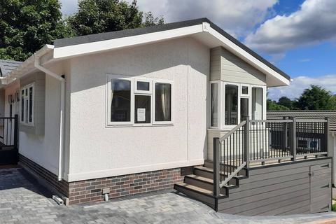 2 bedroom park home for sale - Claverley Shropshire