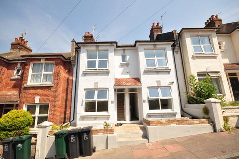 4 bedroom flat to rent - Shanklin Road Brighton BN2