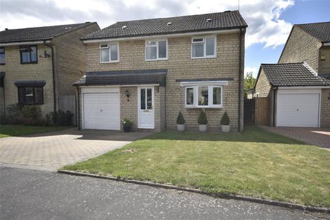 4 bedroom detached house for sale - Pear Tree Close, Woodmancote, Cheltenham, Gloucestershire, GL52