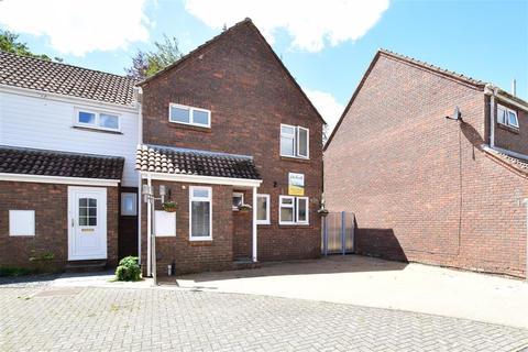 3 bedroom end of terrace house for sale - St. Michaels Walk, Hawkinge, Folkestone, Kent