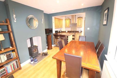 2 bedroom house to rent - Edward Road, Penge