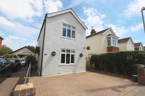 3 bedroom detached house for sale - Orchard Avenue, Deal, CT14