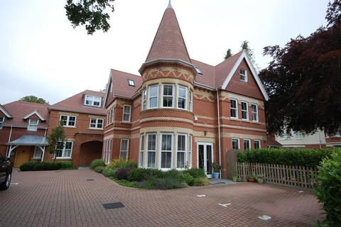 3 bedroom ground floor flat for sale - Driftwood, 12 Pinewood Road, Poole BH13