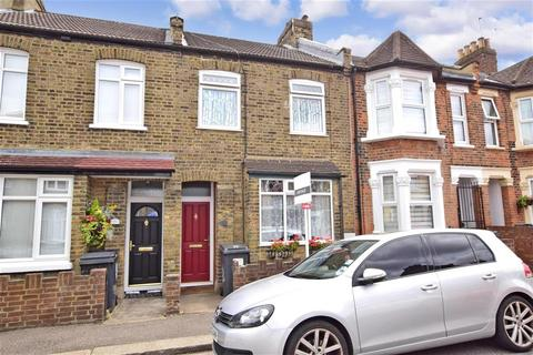 2 bedroom terraced house for sale - Chivers Road, Chingford, London