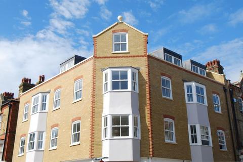 2 bedroom flat for sale - East Street, Herne Bay