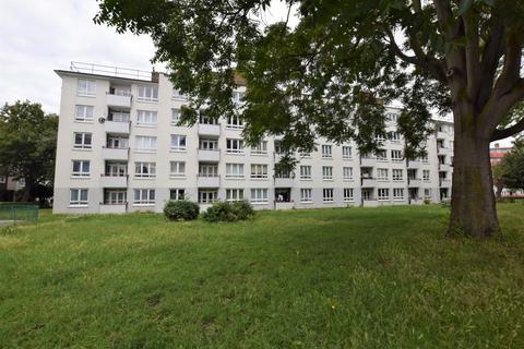 2 bedroom flat for sale - Eveline Lowe Estate Bermondsey SE16