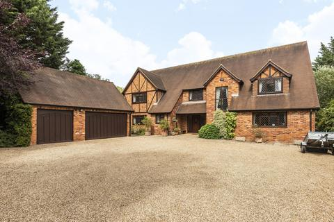 5 bedroom detached house for sale - South Park Crescent, Gerrards Cross, SL9