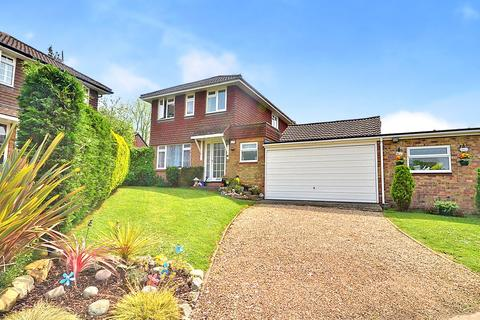 3 bedroom detached house for sale - Dormansland, Lingfield, RH7