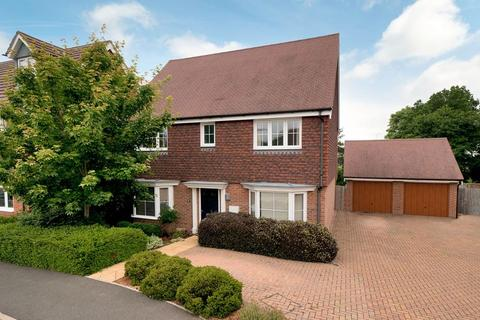 4 bedroom detached house for sale - Taylor Close, Tonbridge, TN9 2FE