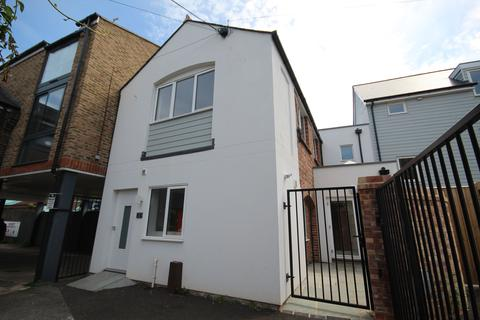 2 bedroom terraced house for sale - LAURISTON ROAD, BRIGHTON