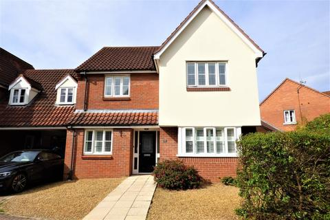 4 bedroom link detached house for sale - Field Acre Way, Long Stratton