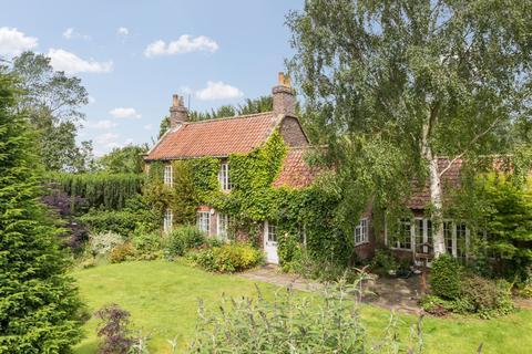 3 bedroom detached house for sale - Welham, Malton YO17