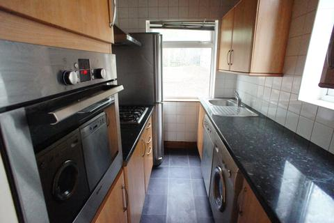 3 bedroom house to rent - Harold Road, Chingford, London