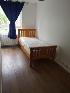 5 bedroom house share to rent - Double Room to Rent in Shared House, Field Road, London