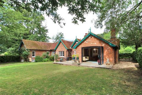 4 bedroom detached house for sale - Coldharbour Lane, Hildenborough, Tonbridge, Kent, TN11